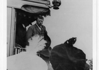 Theodore Roosevelt makes a speech in Cache Junction.