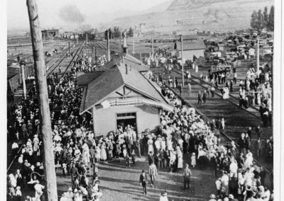 Crowds gathered to see the Liberty Bell in Cache Junction, 1915 (1 of 2)